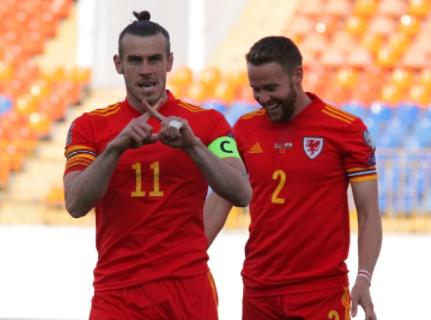 Bale 's injury-hit hat-trick defeats Belarus 3-2